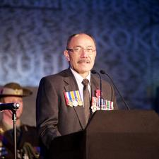 Rt Hon Sir Jerry Mateparae, High Commissioner for New Zealand, speaking at the Dawn Service. Image by Peter Livingstone, with thanks.